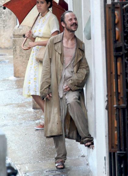 In foto Giovanni Ribisi (46 anni) Dall'articolo: The Rum Diary: Johnny Depp sotto la pioggia.
