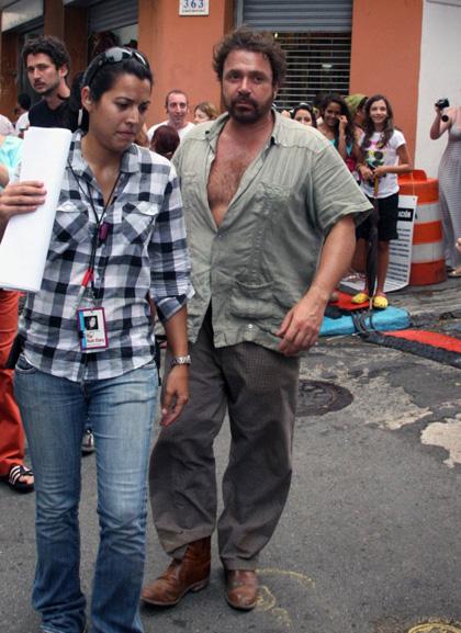 In foto Michael Rispoli (60 anni) Dall'articolo: The Rum Diary: Johnny Depp sotto la pioggia.