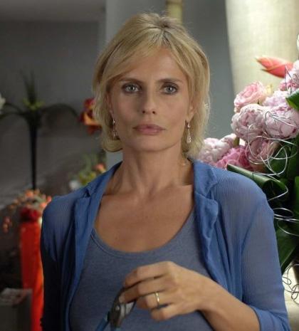In foto Isabella Ferrari (57 anni) Dall'articolo: Film in Tv: una settimana all'italiana.