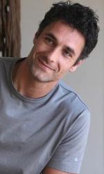 In foto Raoul Bova (49 anni) Dall'articolo: Scusa ma ti voglio sposare: la fotogallery.