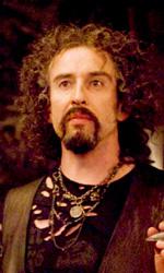 In foto Steve Coogan (53 anni) Dall'articolo: Il ladro di fulmini: prime immagini e terzo trailer di Percy Jackson.