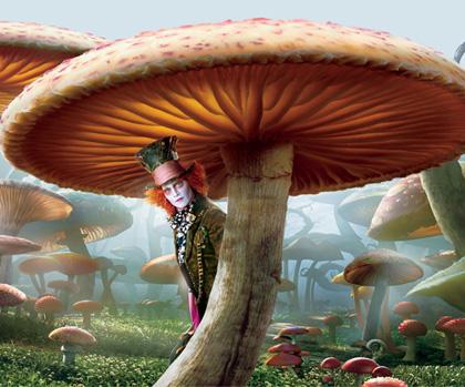 In foto Johnny Depp (56 anni) Dall'articolo: Alice in Wonderland: Johnny Depp parla del Cappellaio Matto.