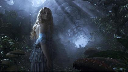 In foto Mia Wasikowska (30 anni) Dall'articolo: Alice in Wonderland: Johnny Depp parla del Cappellaio Matto.