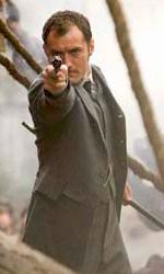In foto Jude Law (47 anni) Dall'articolo: Box Office: Avatar supera i due miliardi di dollari.