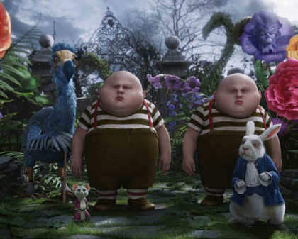Una scena del film -  Dall'articolo: Alice in Wonderland: il poster dello Stregatto e del Bianconiglio.