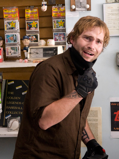 In foto Seann William Scott (43 anni) Dall'articolo: Cop Out: una valanga di immagini e tre spot televisivi.