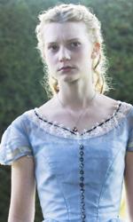 In foto Mia Wasikowska (32 anni) Dall'articolo: Alice in Wonderland: nella tana del coniglio.