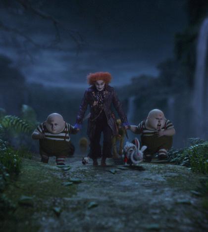 """In foto Johnny Depp (58 anni) Dall'articolo: Alice in Wonderland: 3 clip, ed """"Alice action Hero"""" in italiano."""