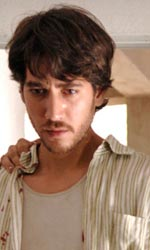 In foto Alberto Ammann Dall'articolo: Cella 211: Cinema infiltrato.