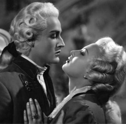 In foto Yvonne Sanson Dall'articolo: Storia 'poconormale' del cinema: le coppie (3).