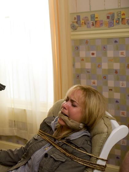 In foto Radha Mitchell (48 anni) Dall'articolo: La città verrà distrutta all'alba: assetto antivirus anche a Roma.