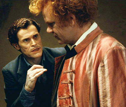 In foto Willem Dafoe (66 anni) Dall'articolo: Aiuto vampiro: tra Freaks e Twilight alla ricerca di un'identità.