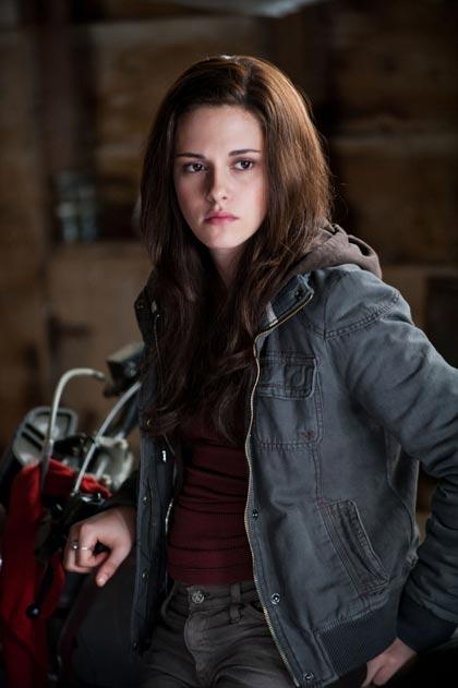 In foto Kristen Stewart (31 anni) Dall'articolo: The Twilight Saga Eclipse: la bella e la bestia.