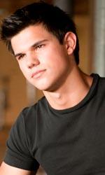In foto Taylor Lautner (28 anni) Dall'articolo: The Twilight Saga Eclipse: la bella e la bestia.