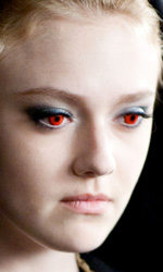 In foto Dakota Fanning (26 anni) Dall'articolo: Eclipse: ultime foto e la clip