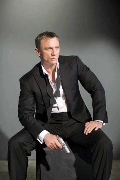 In foto Daniel Craig (53 anni) Dall'articolo: Bond 23: il film rimane in sospeso, non è ancora stato cancellato.