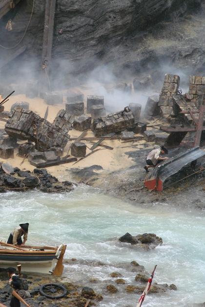 Una foto del set -  Dall'articolo: Pirates of the Caribbean: On Stranger Tides, prime foto di Jack Sparrow.