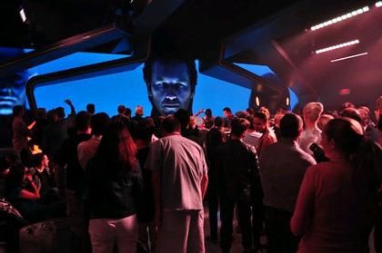 L'interno dell'End of the line -  Dall'articolo: Comic-Con 2010: Tron: Legacy, io non sono tuo padre Sam.