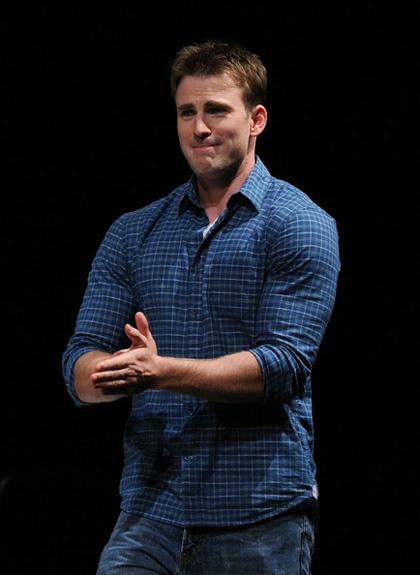 In foto Chris Evans (38 anni) Dall'articolo: Comic-Con 2010: The Avengers, presentato il cast.