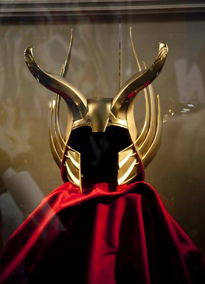 L'elmo di Odino -  Dall'articolo: Comic-Con 2010: Thor, presentato l'Infinity Gauntlet di Thanos.