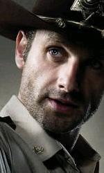 """In foto Andrew Lincoln (46 anni) Dall'articolo: The Walking Dead: la creazione del zombie, la """"ragazza sulla bicicletta""""."""
