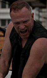 """In foto Michael Rooker (64 anni) Dall'articolo: The Walking Dead: la creazione del zombie, la """"ragazza sulla bicicletta""""."""