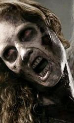 """Il poster degli zombie -  Dall'articolo: The Walking Dead: la creazione del zombie, la """"ragazza sulla bicicletta""""."""