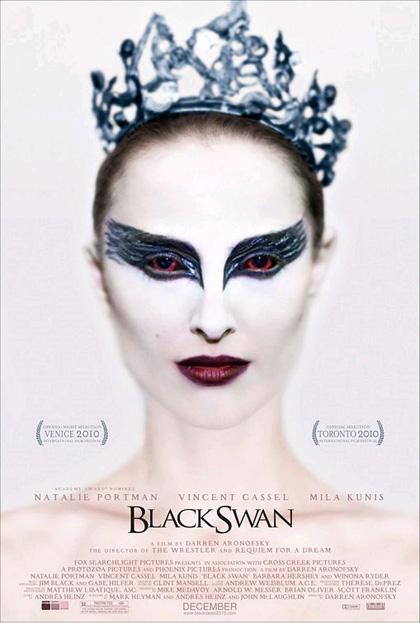 In foto Natalie Portman (38 anni) Dall'articolo: Black Swan: pazzia, piume e un bacio tra la Portman e la Kunis.