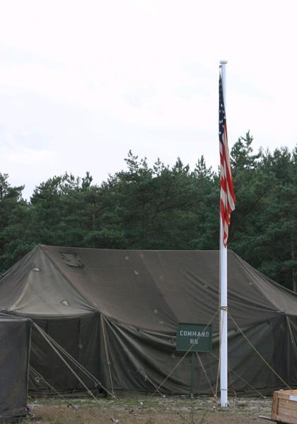 La tenda del comando generale -  Dall'articolo: Captain America: The First Avenger, il costume e lo scudo evolveranno.