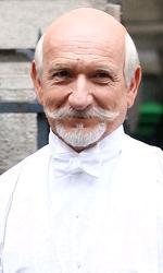 In foto Ben Kingsley (77 anni) Dall'articolo: Hugo Cabret: il primo film in 3D di Martin Scorsese.