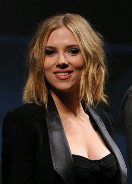 In foto Scarlett Johansson (35 anni) Dall'articolo: The Avengers: Black Widow non sarà l'unico personaggio femminile.