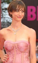In foto Francesca Inaudi (41 anni) Dall'articolo: Venezia 2010: Noi credevamo, il red carpet.