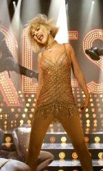 Burlesque: invece di dipingere una tela stai truccando una faccia - Ali Rose (Christina Aguilera) in scena.
