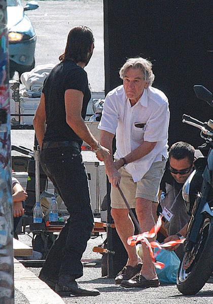 In foto Robert De Niro (75 anni) Dall'articolo: Manuale d'amore 3: Robert De Niro sul set romano.