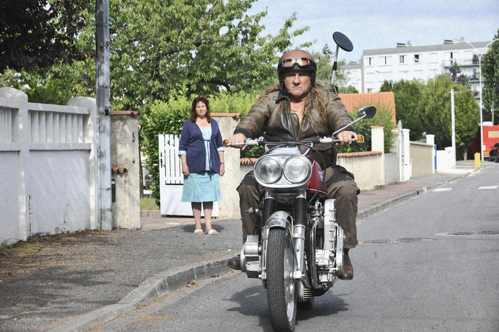 In foto Gérard Depardieu (72 anni) Dall'articolo: Un viaggio in moto con Depardieu.