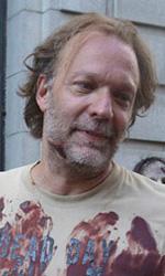 In foto Greg Nicotero (56 anni) Dall'articolo: Se il vicino di casa è uno zombie....