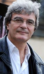 In foto Mario Martone (59 anni) Dall'articolo: È polemica per la scarsa distribuzione.