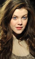 In foto Georgie Henley (25 anni) Dall'articolo: La premiere londinese di Le cronache di Narnia - Il viaggio del veliero.