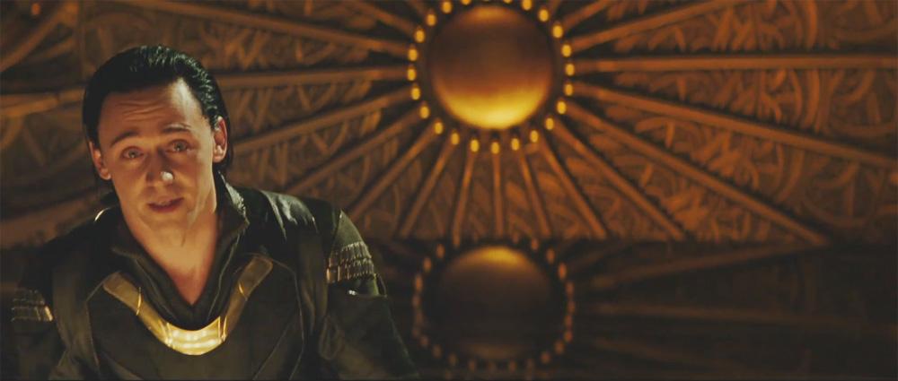 In foto Tom Hiddleston (37 anni) Dall'articolo: Trailer italiano e screenshoot del film Thor.
