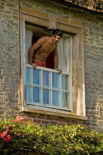In foto Dominic Cooper (41 anni) Dall'articolo: La fotogallery del film Tamara Drewe - Tradimenti all'inglese.