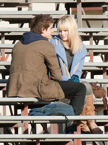 In foto Emma Stone (31 anni) Dall'articolo: Primo sguardo a Andrew Garfield nelle vesti di Peter Parker.