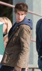 In foto Andrew Garfield (37 anni) Dall'articolo: Primo sguardo a Andrew Garfield nelle vesti di Peter Parker.