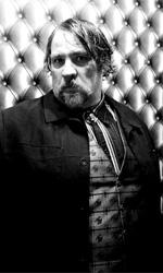 La fotogallery del film Kill Me Please - Il signor Vidal in una scena del film.