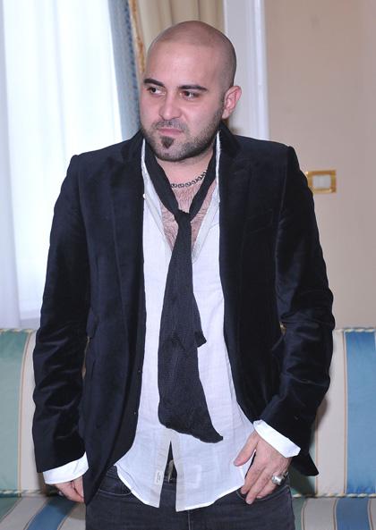 """In foto Giuliano Sangiorgi (39 anni) Dall'articolo: Vita, azione ed espiazione del """"bel Renè""""."""