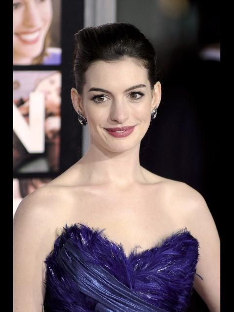 In foto Anne Hathaway (36 anni) Dall'articolo: Anne Hathaway sarà Catwoman.
