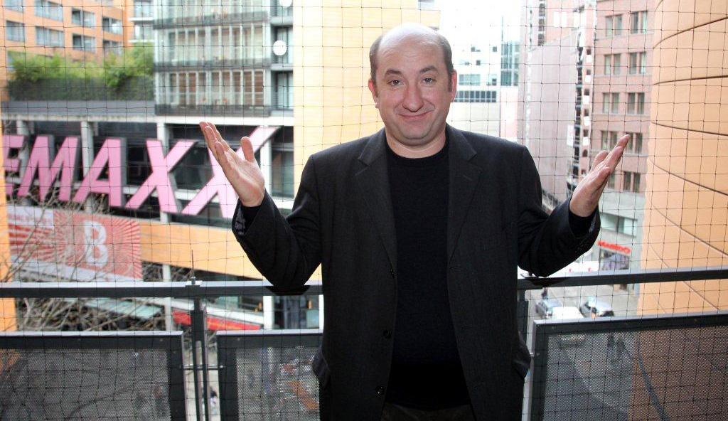 In foto Antonio Albanese (56 anni) Dall'articolo: U pilu sopra Berlino.