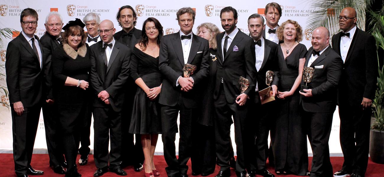 In foto Colin Firth (59 anni) Dall'articolo: Il discorso del re domina i BAFTA con 7 vittorie.