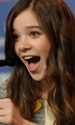 In foto Hailee Steinfeld (22 anni) Dall'articolo: Film nelle sale: piccole donne crescono.