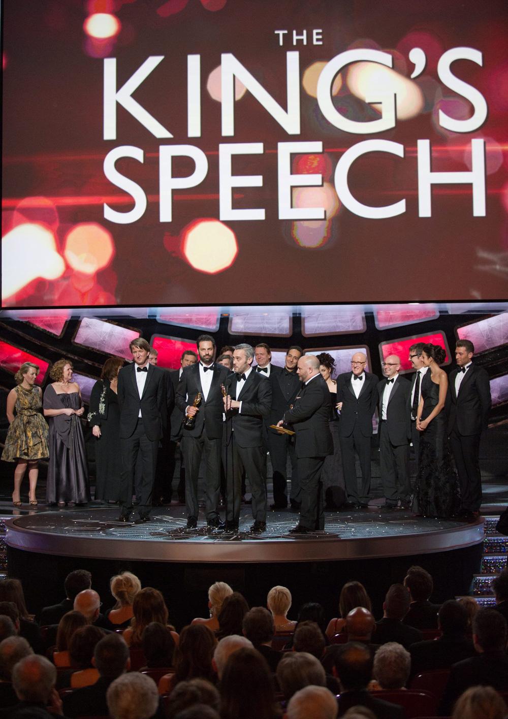 In foto Tom Hooper (49 anni) Dall'articolo: Oscar, trionfa Il discorso del re.