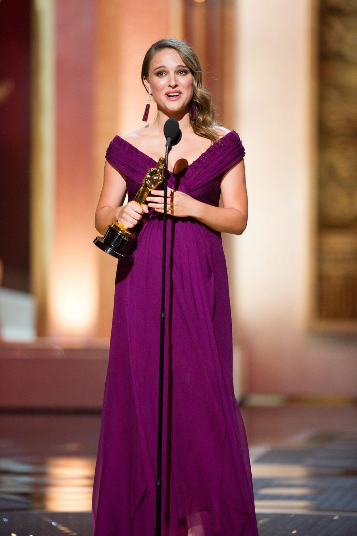 In foto Natalie Portman (39 anni) Dall'articolo: Oscar, trionfa Il discorso del re.